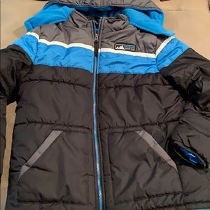 Boys winter coat, awesome condition, warm!